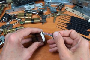 lock smiths of cardiff